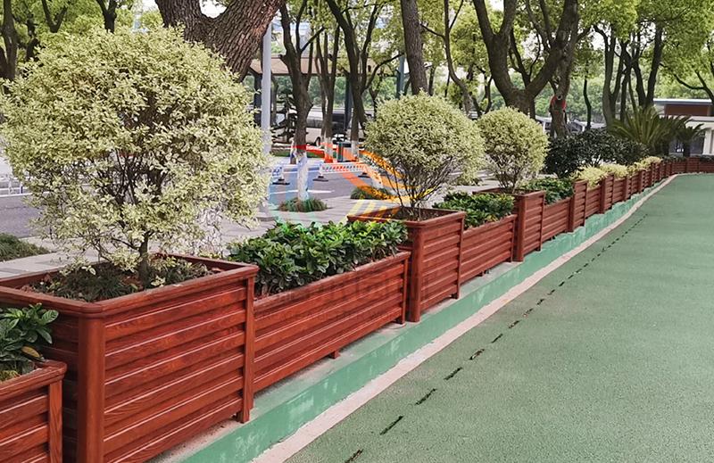 江西南昌,体育馆铝合金花箱围栏